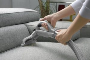 моющий пылесос диван